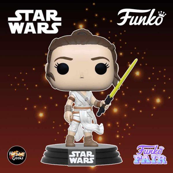 Funko Pop! Star Wars The Rise of Skywalker - Rey with Yellow Lightsaber Funko Pop! Vinyl Figure