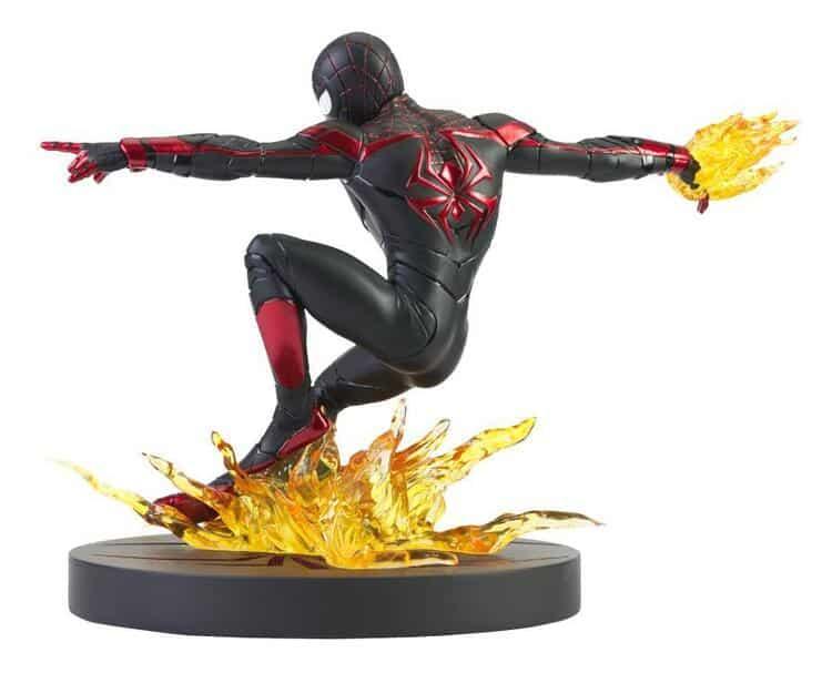 Diamond Select: Marvel's Spider-Man: Miles Morales Gallery Spider-Man Figure Diorama