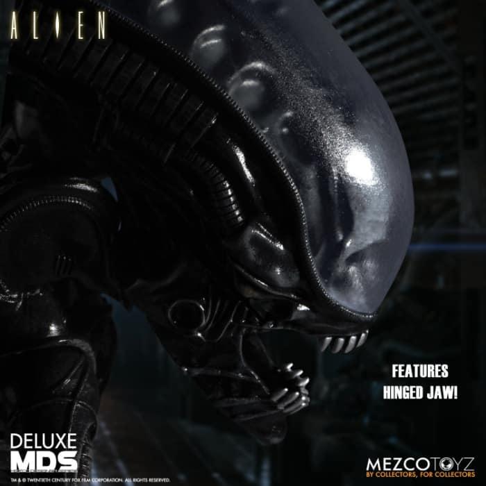 Mezco Toyz: Alien MDS Deluxe 7-Inch Action Figure