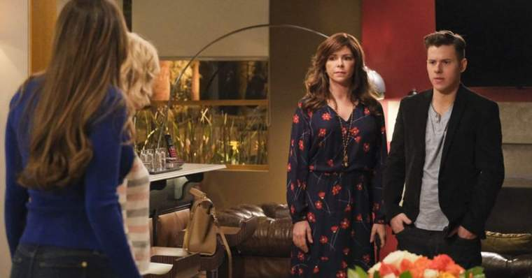 Modern Family 15 Best Episodes Ranked - Yes-Woman (Season 10, Episode 19)