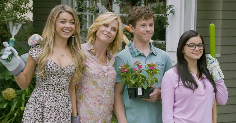 Modern Family 15 Best Episodes Ranked - Won't You Be Our Neighbor (Season 6, Episode 5)