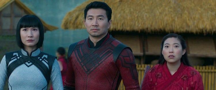 Xialing (Meng'er Zhang), Shang-Chi (Simu Liu)) and Katy (Awkwafina)